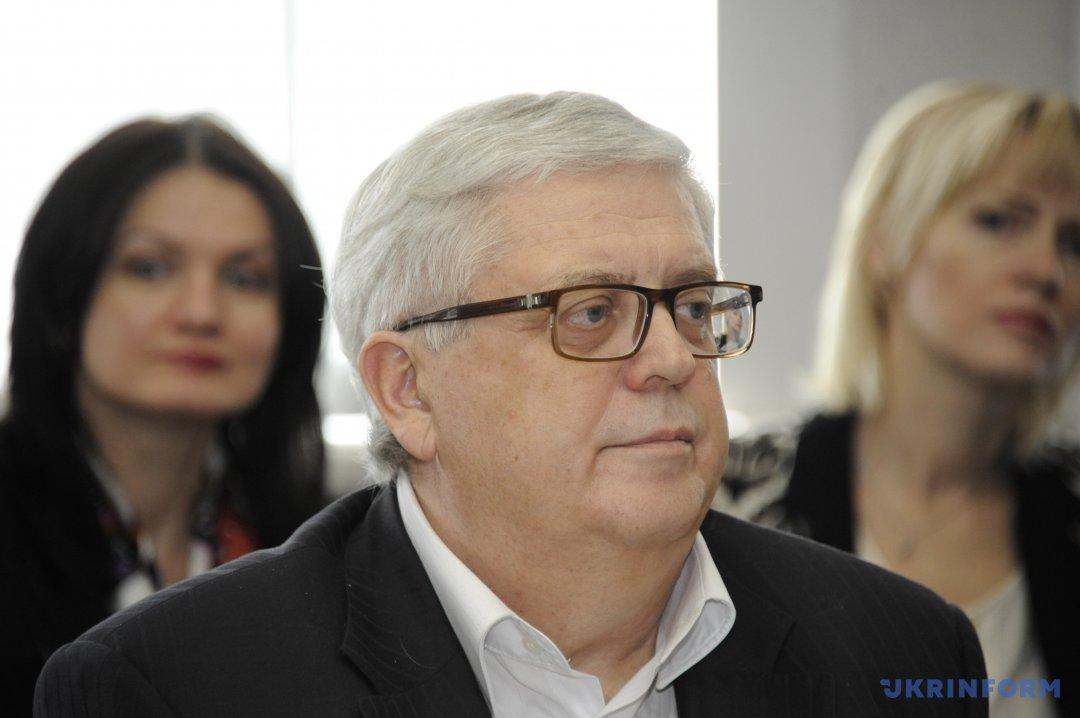 Володимир Мартинюк