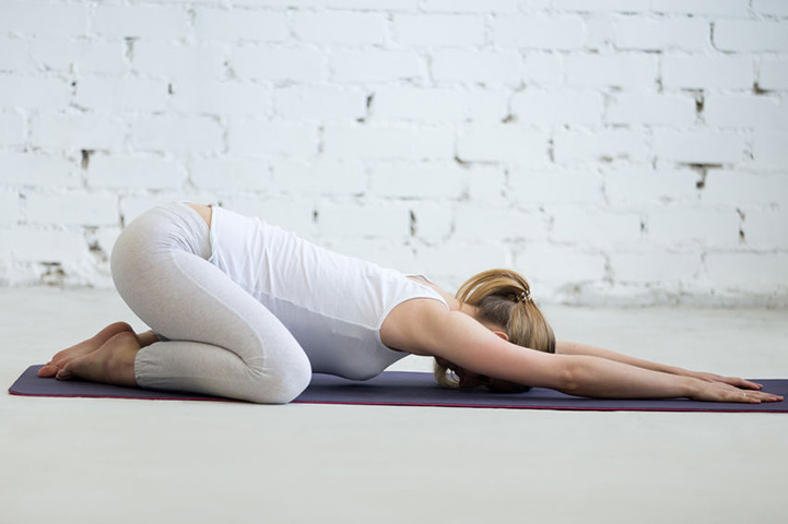Pregnancy Yoga Poses For The Third Trimester The Art Of Living