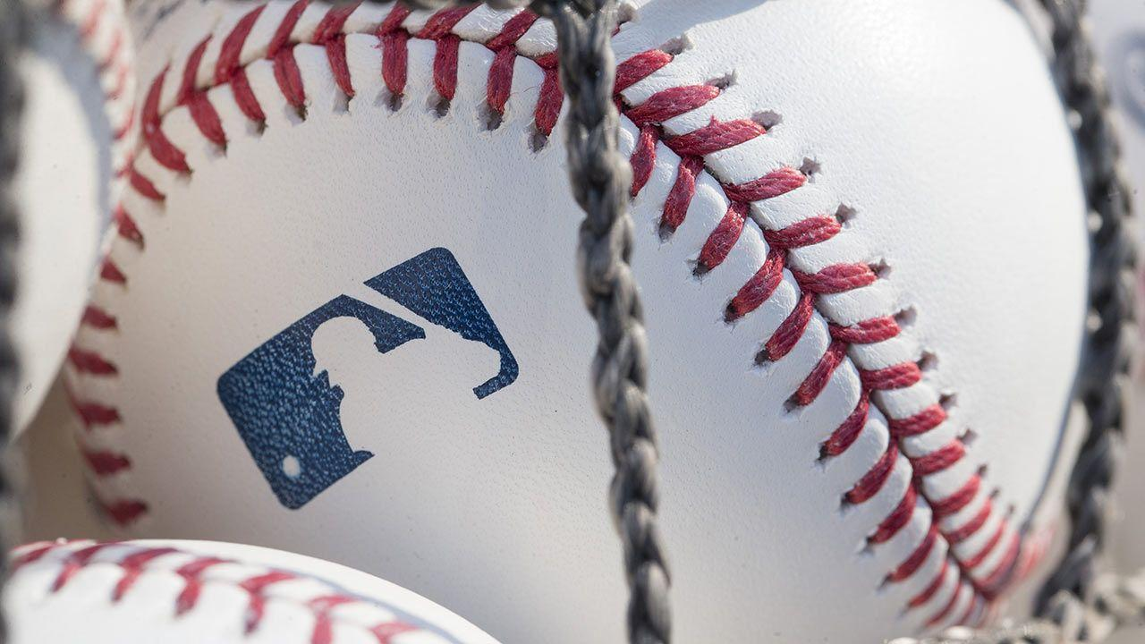 Imagen que contiene competencia de atletismo, deporte, béisbol, pastel  Descripción generada automáticamente