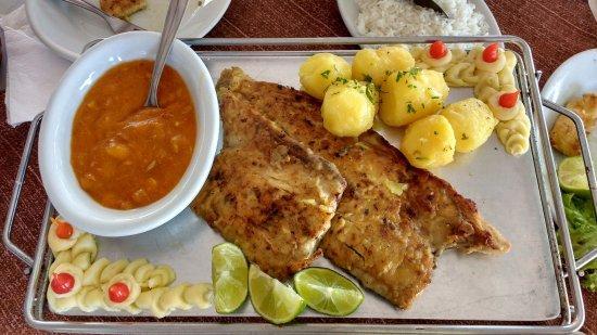 Anchova grelhada - Foto de Moenda Calamares, Bombinhas - Tripadvisor