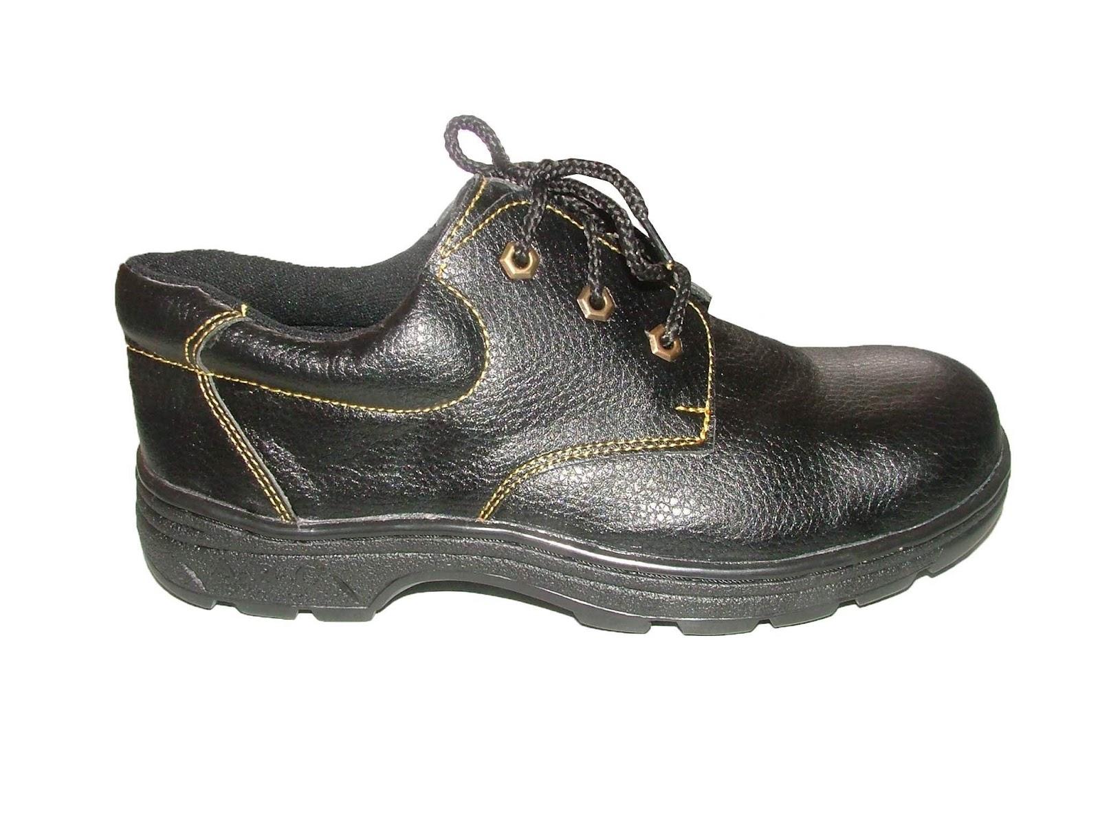 Những lý do bắt buộc bạn phải sử dụng giày bảo hộ lao động