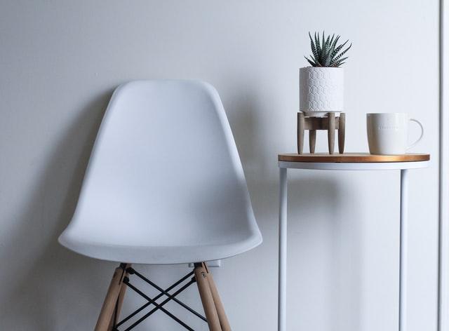 アームレスチェアとは?種類やおすすめの木製椅子を紹介!
