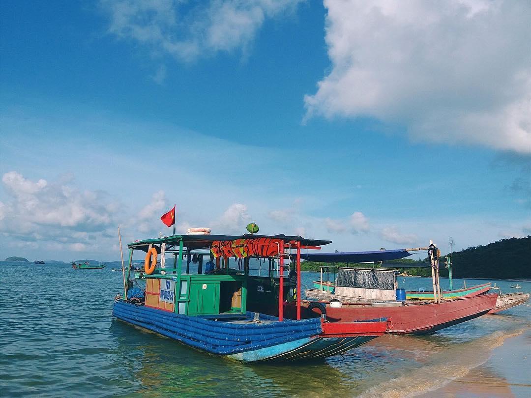 Những lưu ý khi đi tàu gỗ ra đảo Cô Tô bạn nên biết