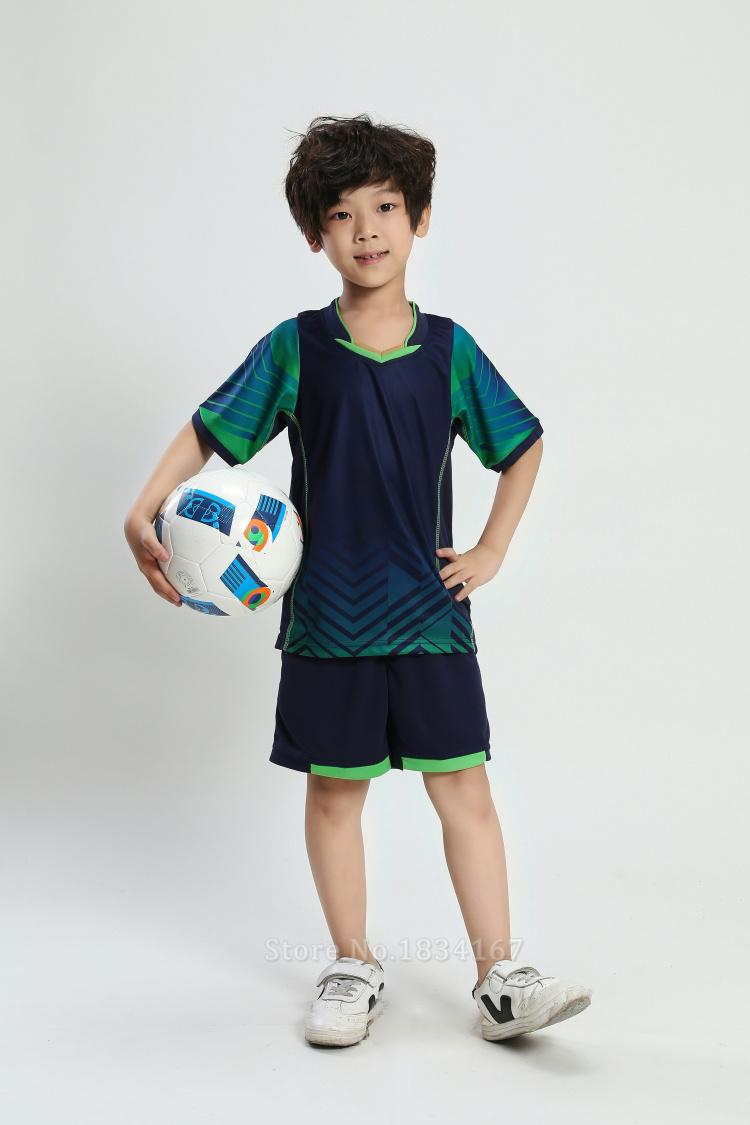 Komplety piłkarskie dla dzieci