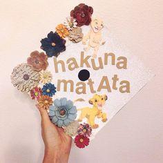 """A graduation cap that reads """"Hakuna Matata."""""""