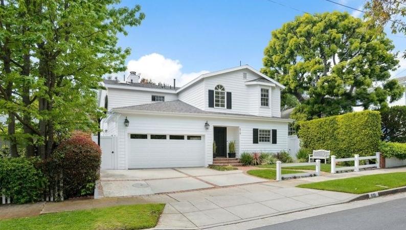 Home in the Brentwood Glen neighborhood in Los Angeles