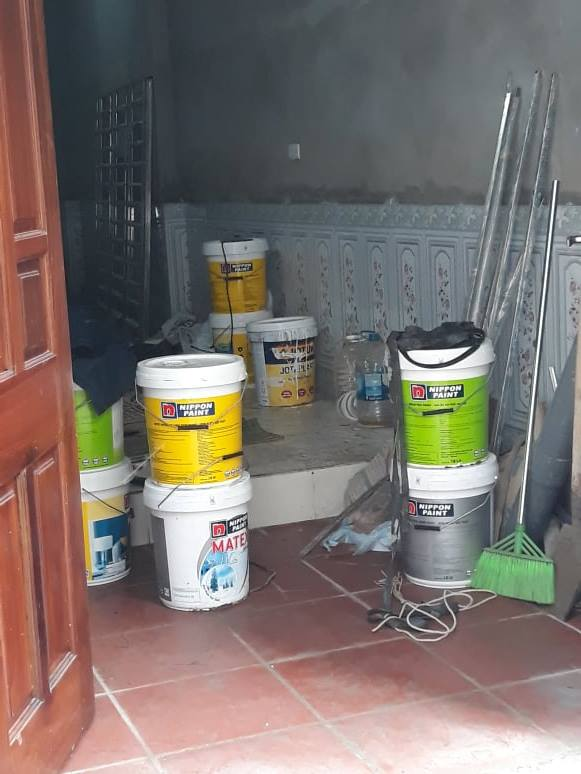 Tại sao sơn nhà mới lại tốn kém hơn sơn lại nhà cũ?