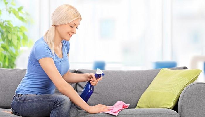 Làm thế nào để làm sạch ghế sofa vải đúng cách