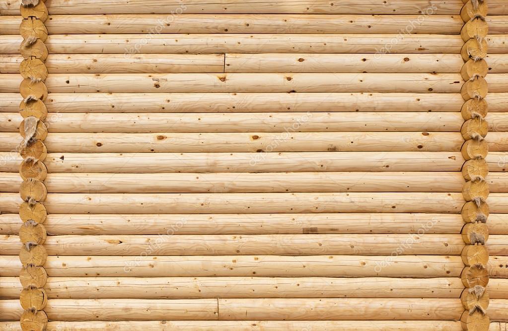 Стена дома из круглых деревянных бревен. — стоковое фото