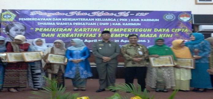 http://halokepri.com/wp-content/uploads/2016/04/Hari-Kartini-696x325.jpg