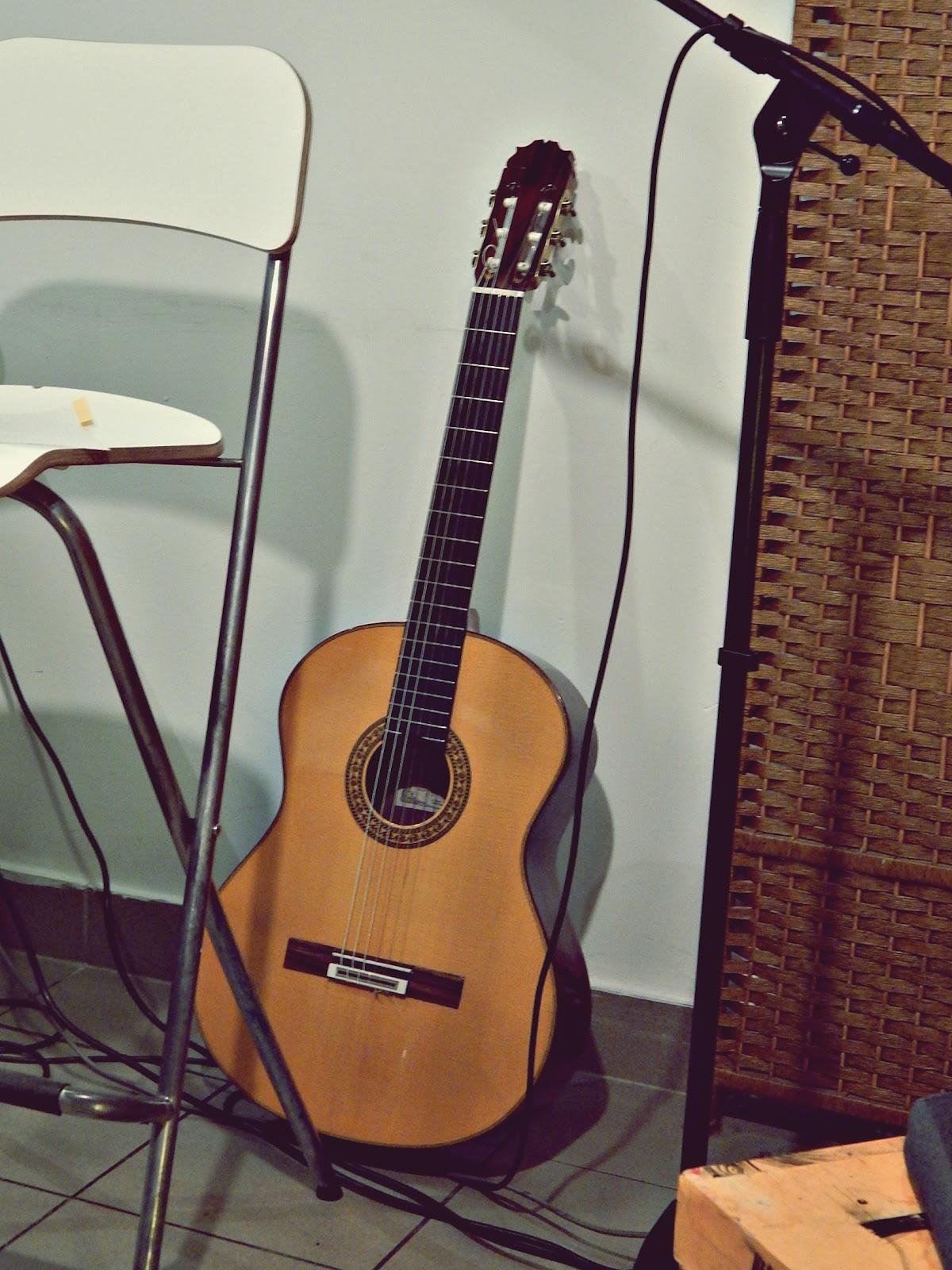 Gitara flamenco w Księgarni Hiszpańskiej