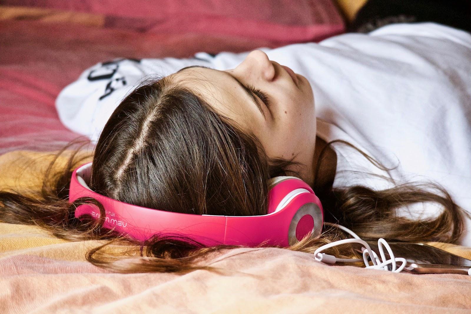 học tiếng anh khi ngủ