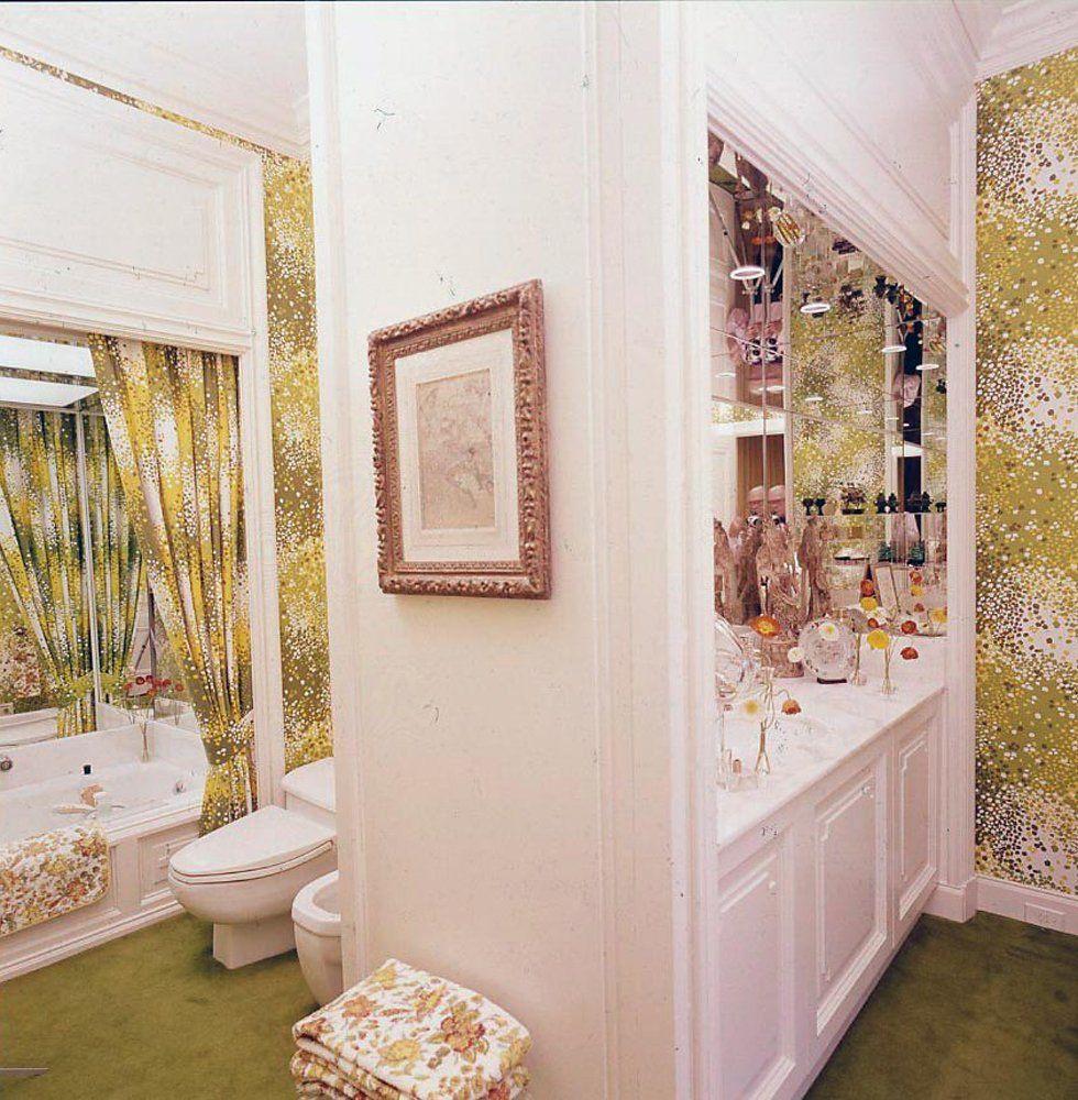Phong cách retro cho nhà tắm đậm chất pastel nổi loạn với họa tiết rèm