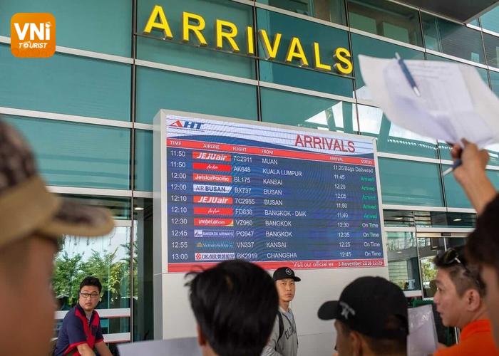 danang airport arrival