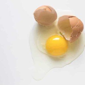 Можно ли давать детям сырые яйца?