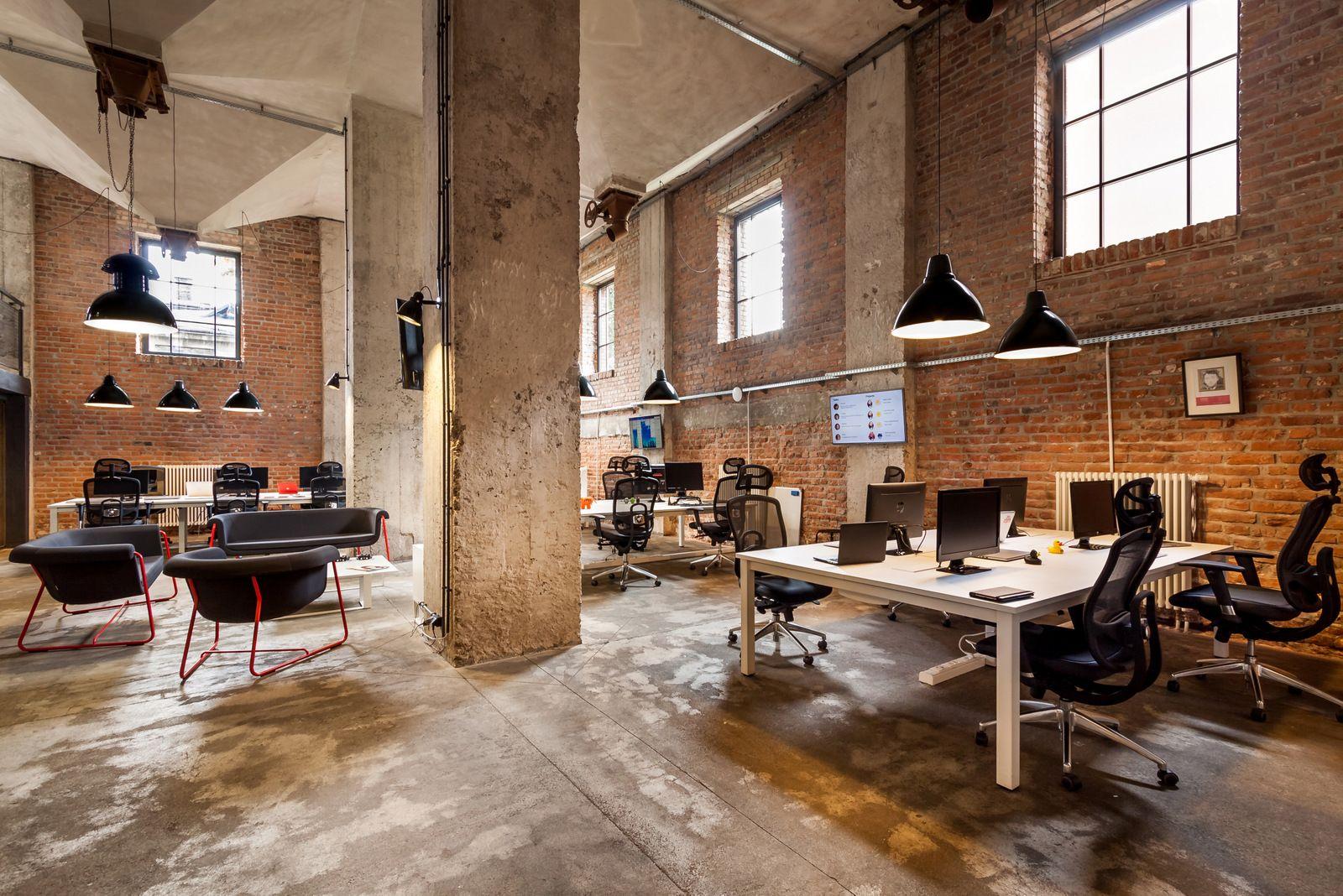 Desain interior industrial pada kantor startup - source: pinterest.ph