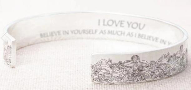 Styling Silver Bracelet For Women