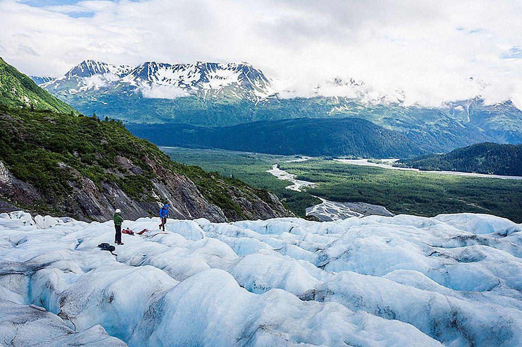 hikers-on-exit-glacier