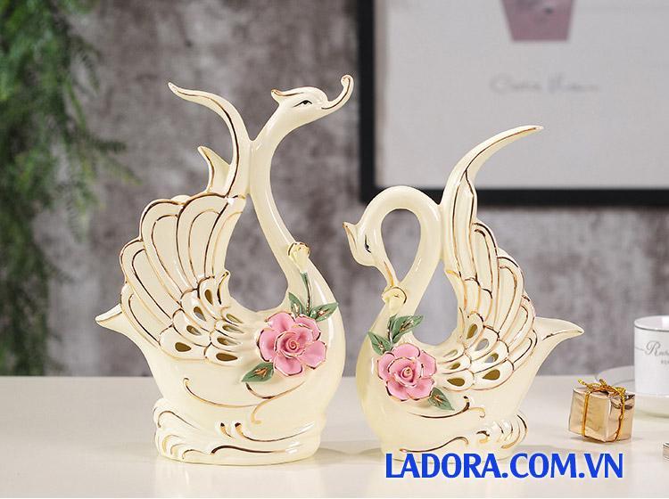 Quà đám cưới cực kỳ ý nghĩa với Đôi chim thiên nga sứ tại Ladora Shop