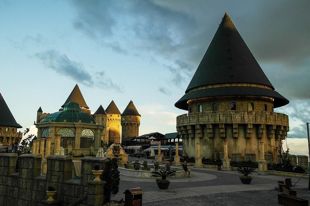 Những tòa lâu đài hoành tráng ở Bà Nà Hills