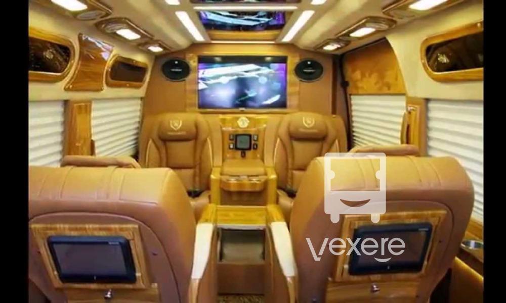 Nội thất xe HAV Limousine đi Đà Nẵng từ Huế
