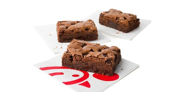 The chicken-centric chain is offering free Chocolate Fudge Brownies at 2,600 participating restaurants acorss the U.S. from Jan. 11 to Jan. 23.