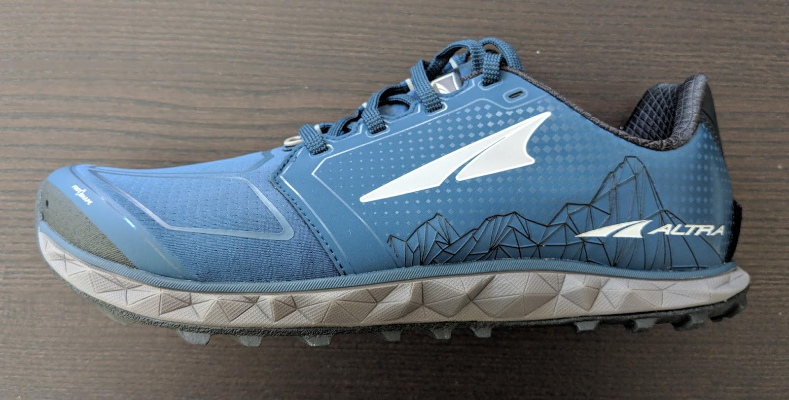 4041295617 Road Trail Run: Altra Running Superior 4.0 Review: When Less is More