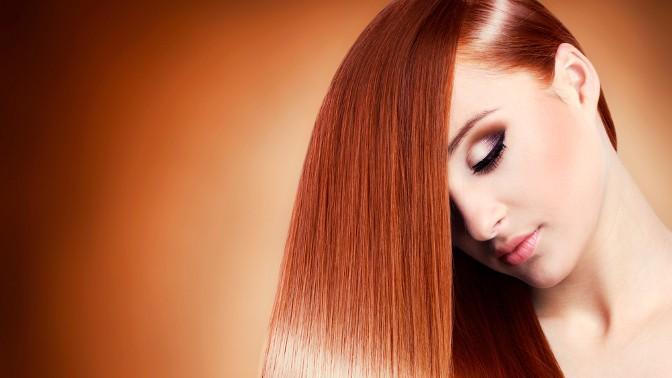 Выпрямленные рыжие волосы