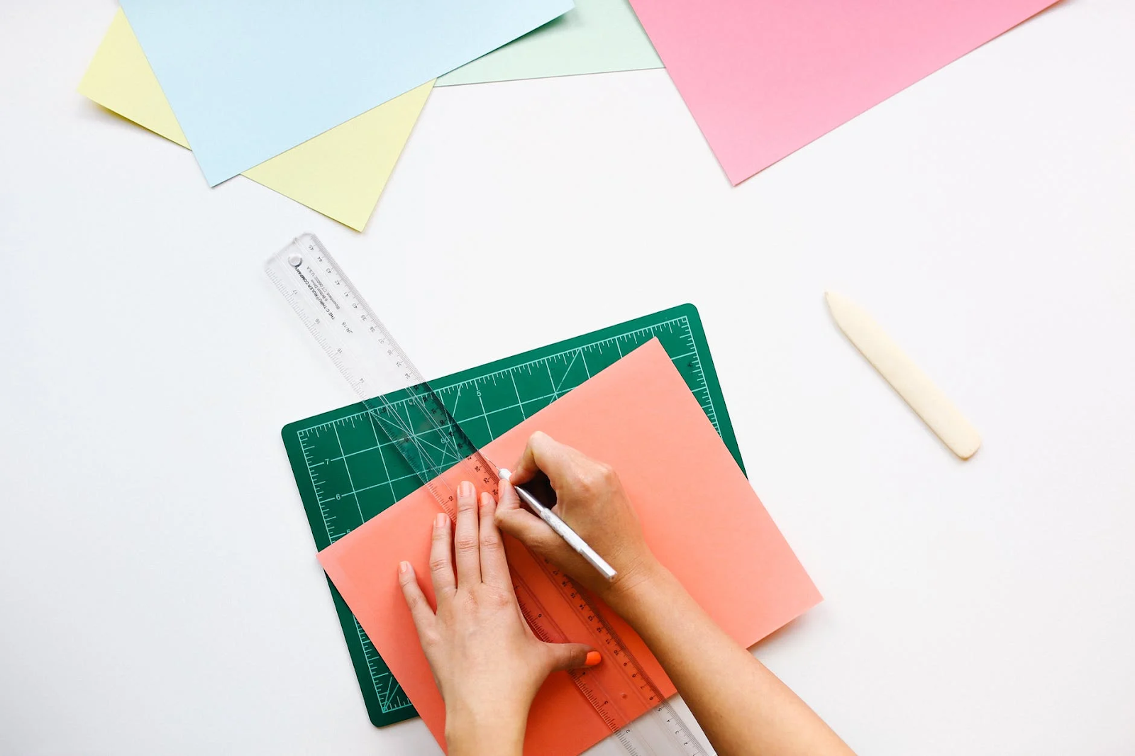 graphic design scholarships