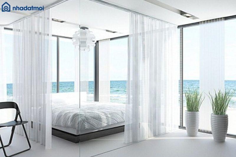 Với căn phòng cạnh biển