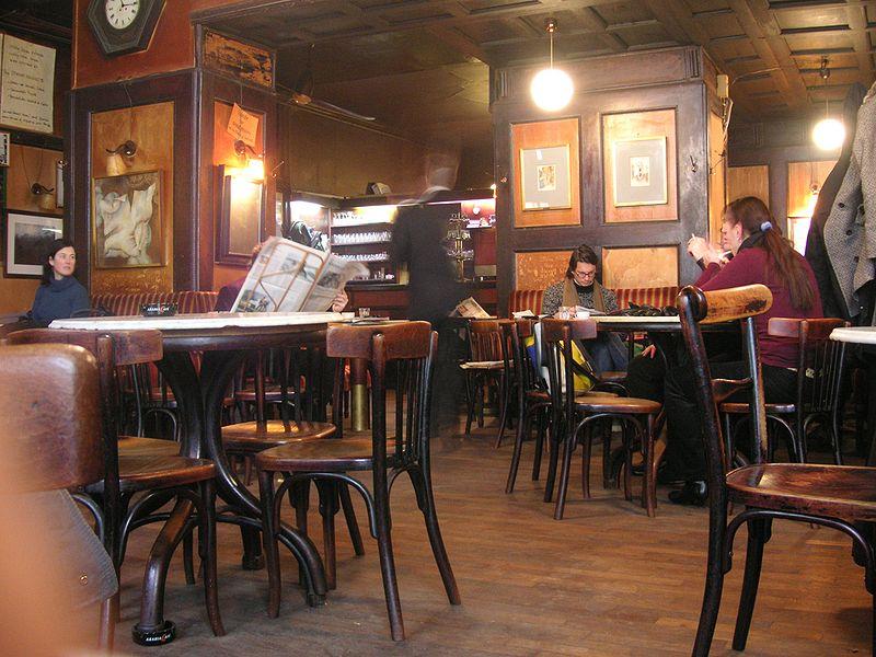 Café Hawelka interior