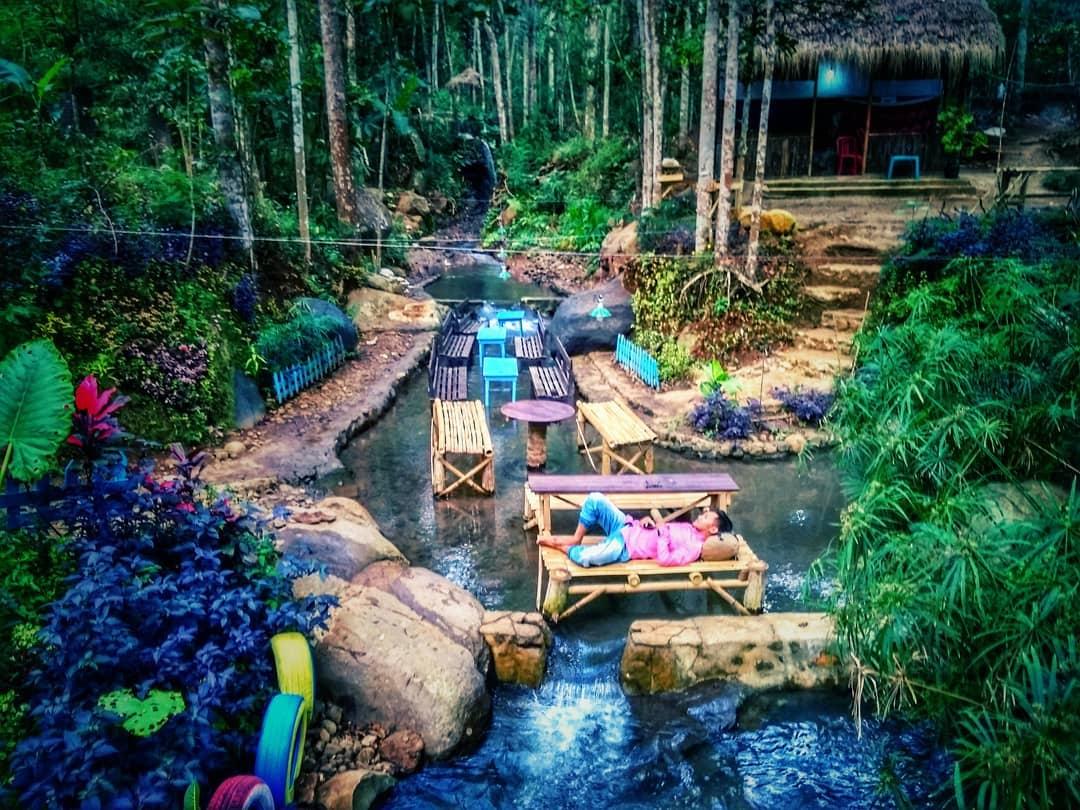 Keindahan wisata Taman Sungai sumber biru Jombang