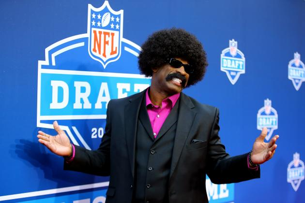 Deion Sanders as Leon Sandcastle