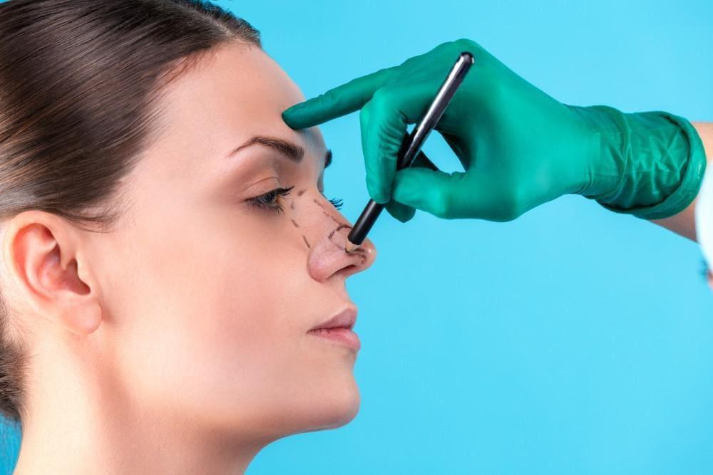 جراحی بینی گوشتی زنانه