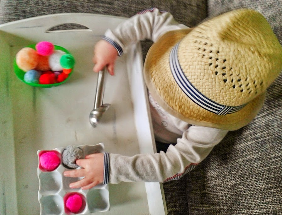 Welcome to Mommyhood: toddler activities - Montessori inspired 1 to 1 correspondence