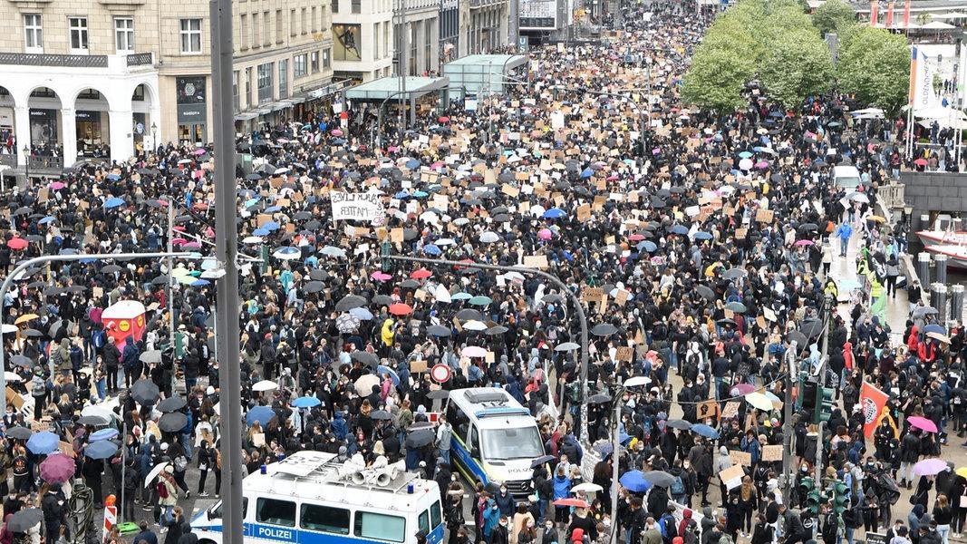 Zehntausende demonstrieren gegen Rassismusham3.cleaned