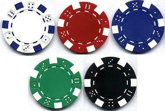 Kết hợp 2 quân bài trên tay cùng 5 quân bài tren bàn để tạo ra tập hợp cao nhất