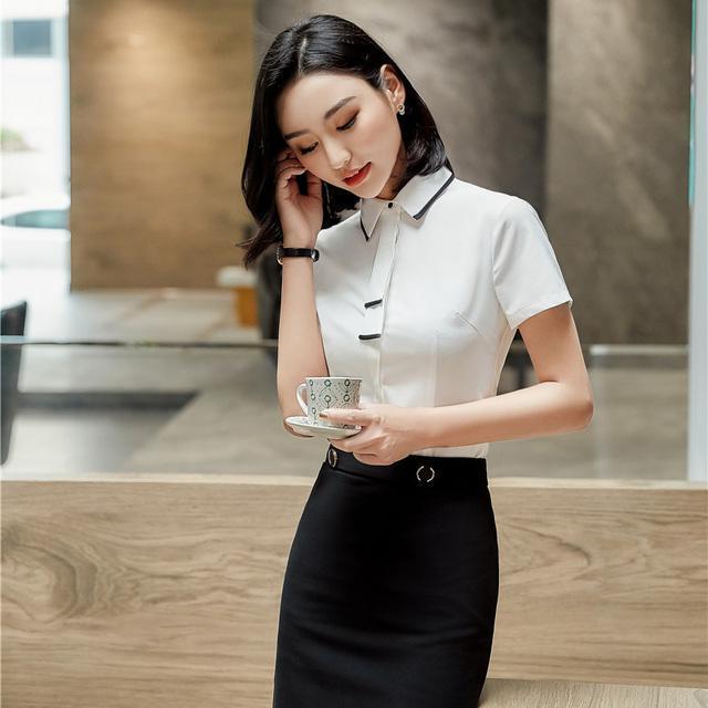 Những bộ đồng phục váy rời mặc với áo sơ mi đã không còn xa lạ khi may đồng phục công sở