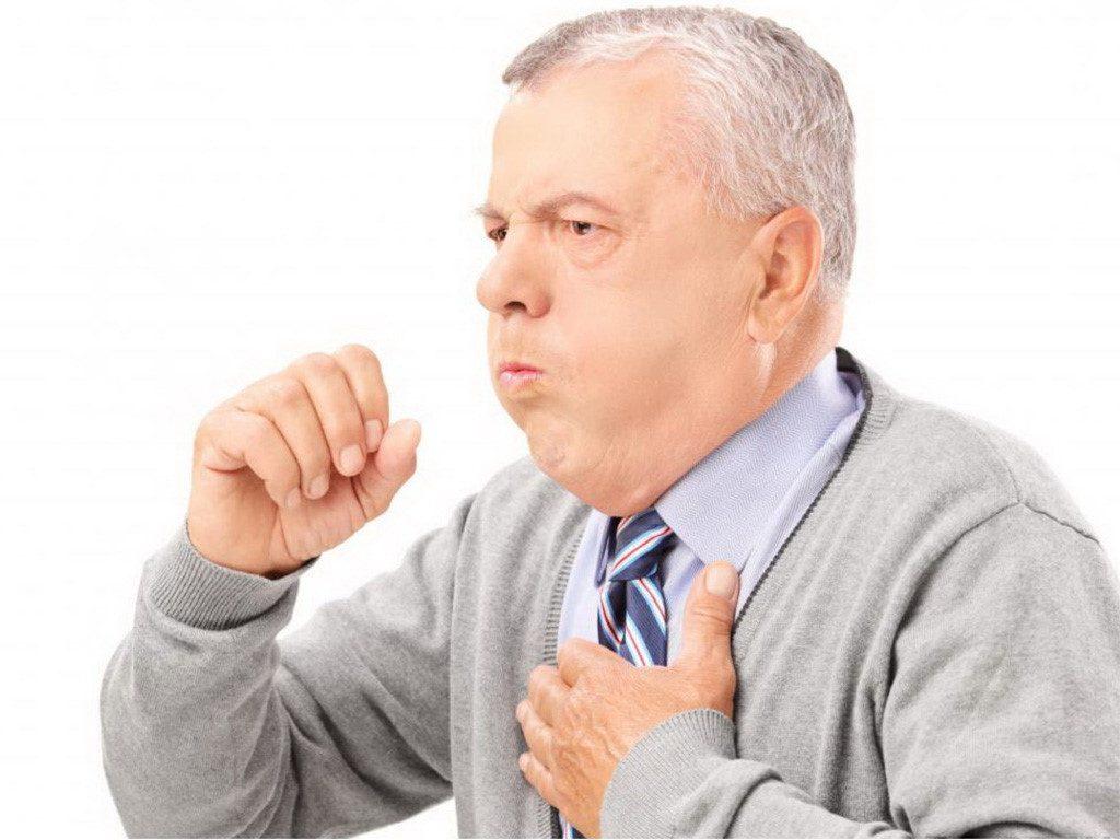 Bệnh viêm phổi ở người già khi giao mùa