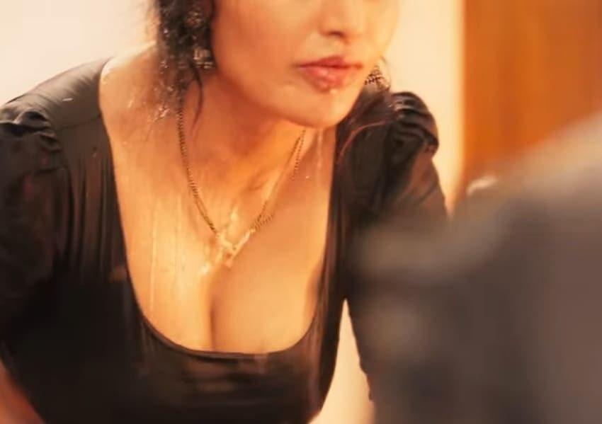 Hot Photos of Naked Nanga Nagnam (NNN) Actress Sweety (Shree Rapaka) Navel Queens