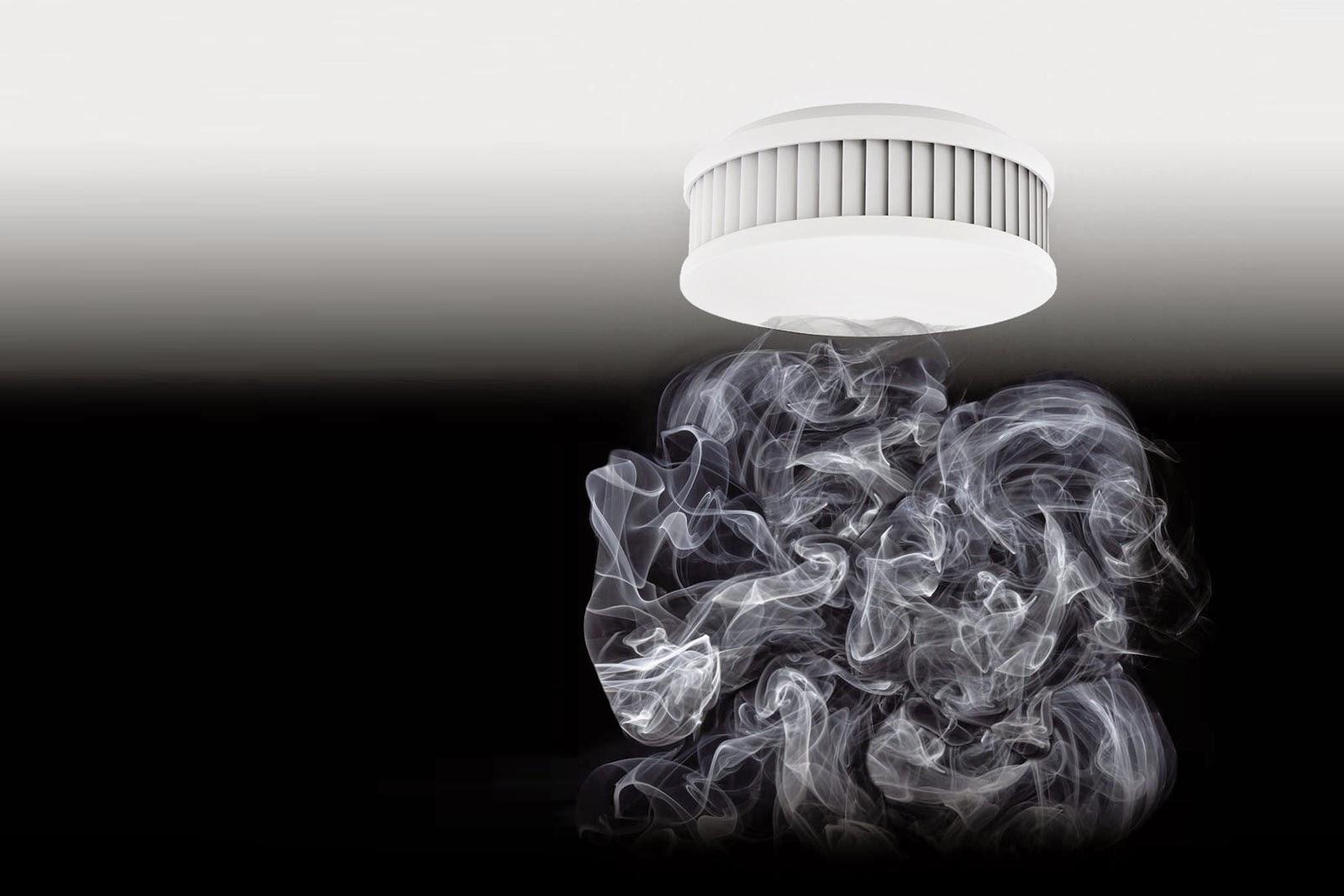 Rauchwarnmelder mit Rauch