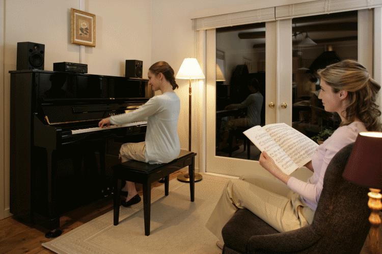 mua piano hay organ