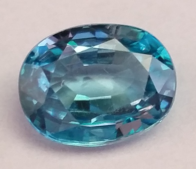 """Blauer Zirkon, 3.36 ct, Kambodscha, hitzebehandelt"" by Don Guennie / CC BY-SA 4.0"