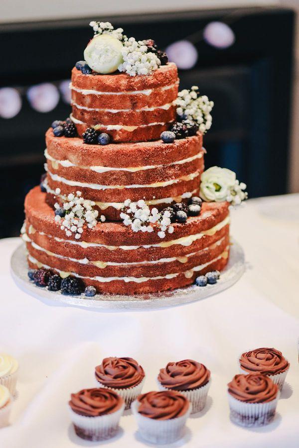 bruiloft catering trend naked cake