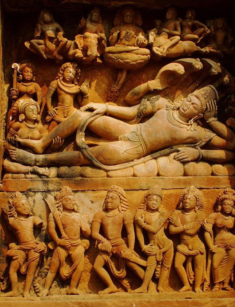 https://upload.wikimedia.org/wikipedia/commons/thumb/b/bd/Deogarh%2C_Dasavatara-Tempel_Vishnu_%281999%29_%28cropped%29.JPG/800px-Deogarh%2C_Dasavatara-Tempel_Vishnu_%281999%29_%28cropped%29.JPG