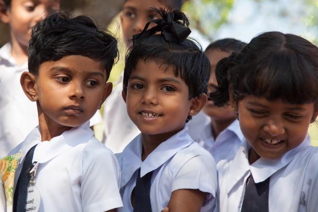 """Résultat de recherche d'images pour """"école srilankaise"""""""