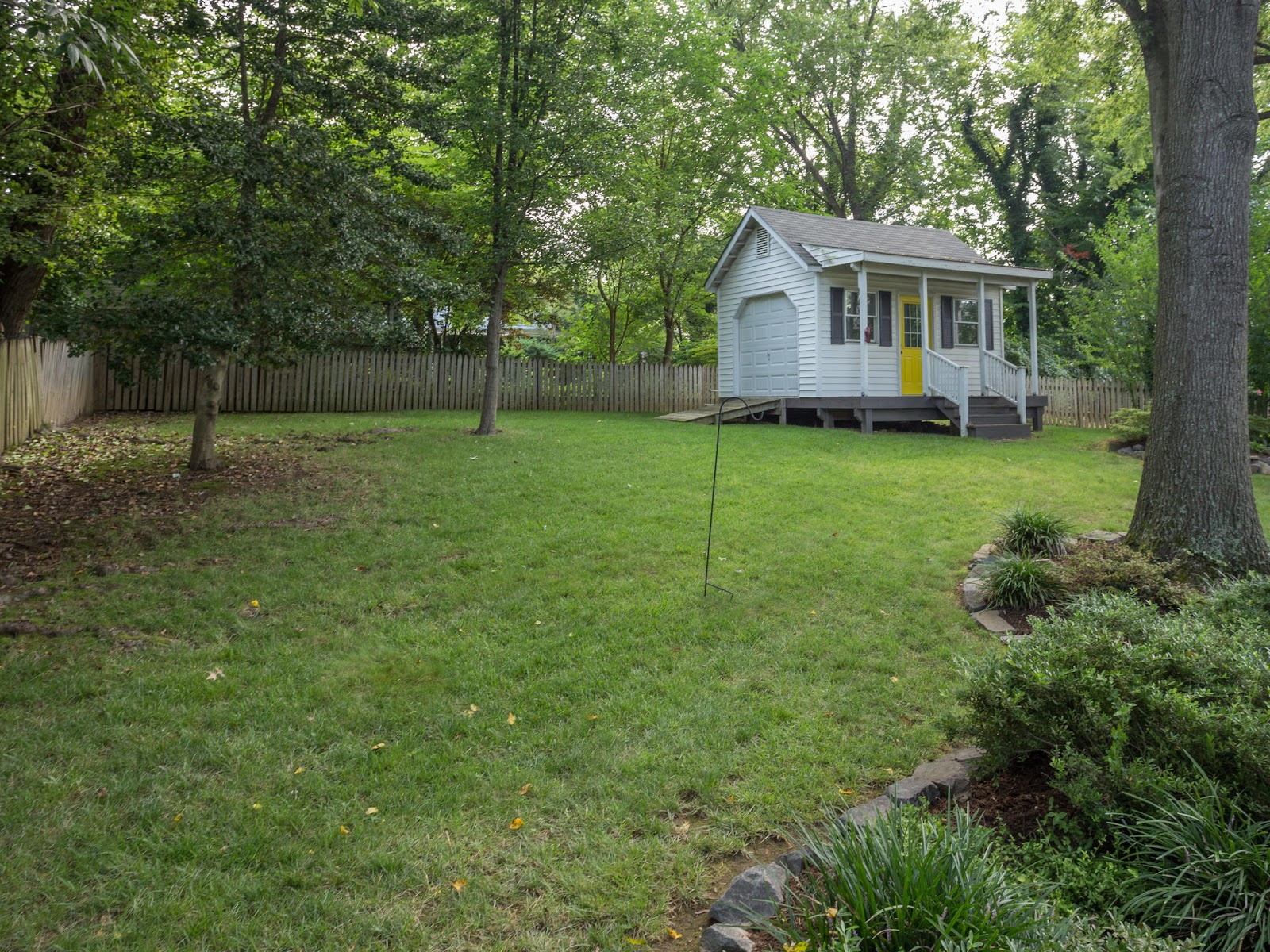 3614 Old Post Rd Fairfax VA-MLS_Size-046-43-Back Yard-2048x1536-72dpi.jpg
