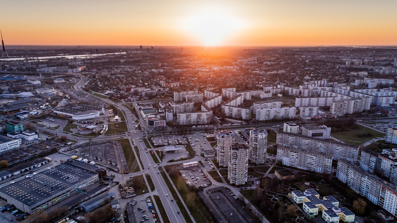 aerial-photo-of-high-rise-buildings-during-sunrise-681333/selling your property