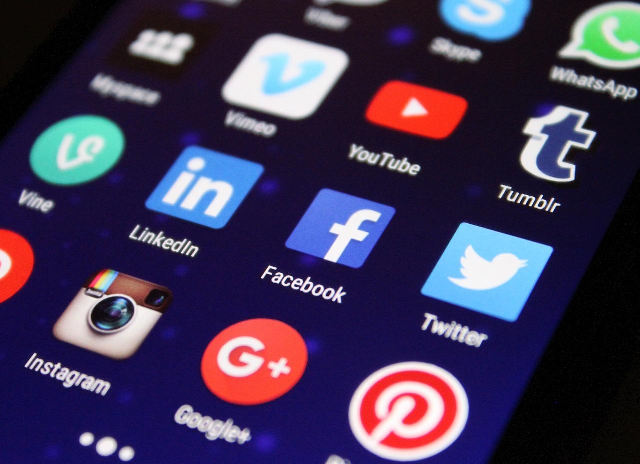 Social media channels / apps