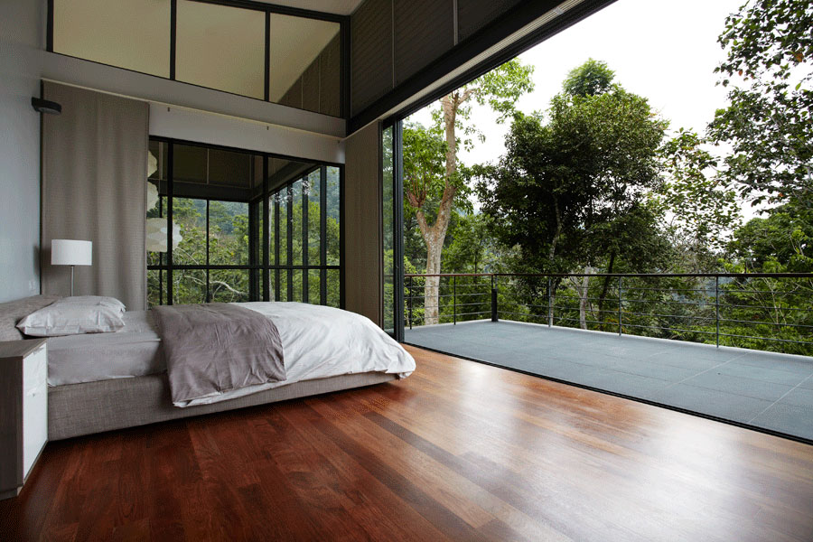 Wooden Floor Brings A Minimalist Look
